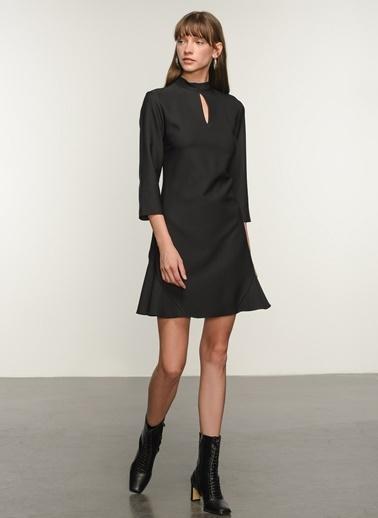 NGSTYLE Ngkaw20El0044 Volan Detaylı Elbise Siyah